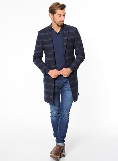 Wessi Ekoseli Dar Kesim İngiliz Yaka Klasik Palto Lacivert